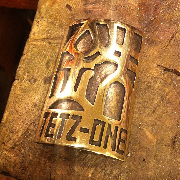 TETZ ONE bicycle head badge emblem by Rui & Aguri Fine Jewelry