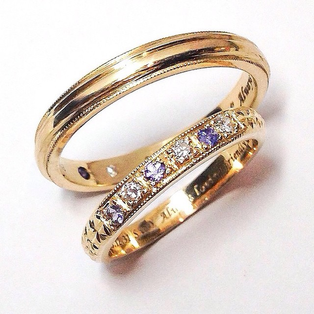 Diamond and birthstones gold wedding ring photo at studio Rui & Aguri Fine Jewelry